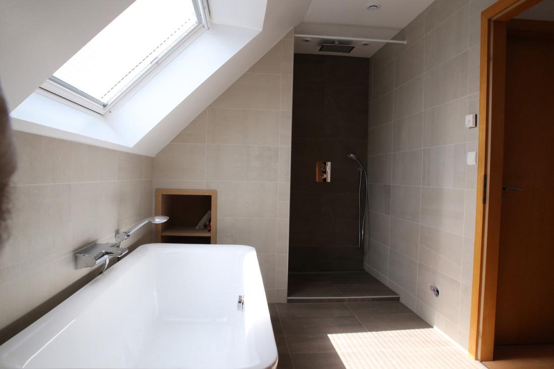 Optimisez Votre Espace Avec Des Combles Aménagées En Alsace - Amenagement salle de bain combles